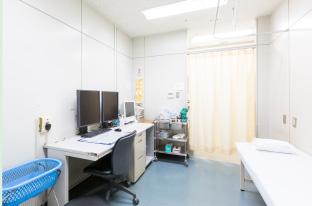 診察室(本館1階)